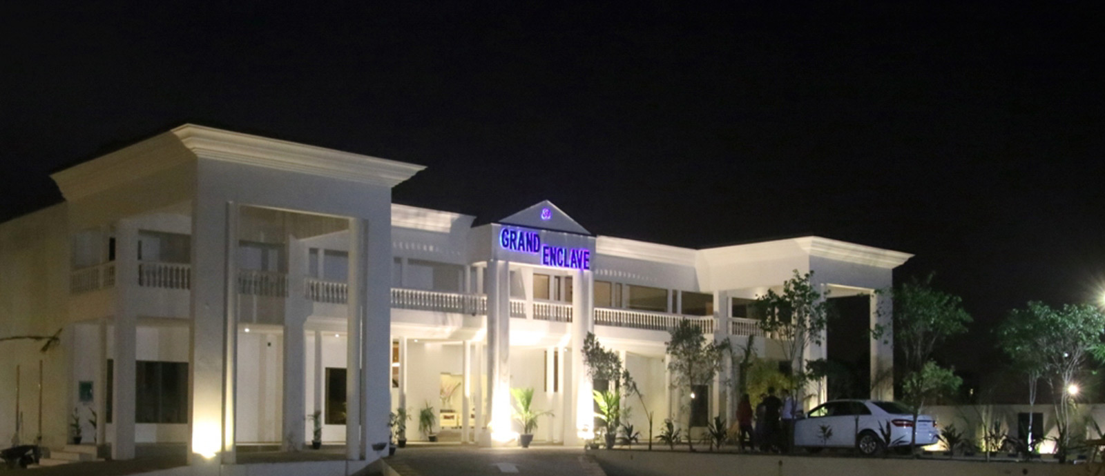 best cheap hotel in lahore